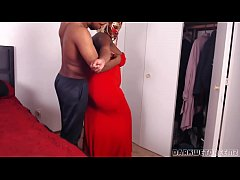 Big Booty Stepmom Needs Help With Her Dress!