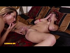 Mom eats pussy daughter