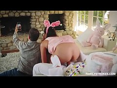 Clip sex Sneaky sex with a sexy teen getting fucked by her uncle dressed up as an Easter bunny behind her par