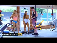 Big TITS in Sports - (Abigail Mac, Nicole Aniston, Charles Dera) - Gym And Juice - Brazzers
