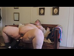 Horny Natural SSBBW uses fuck machine and hitachi until orgasm