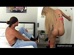 Hot Blooded Shemale Vitoria Neves and a Guy Fuck Each Others Asses