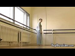 sdRussian Ballet Dancer Flashes Her Pussy