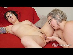 HD Lesbians Clementine And Vi Fingering Her Twats