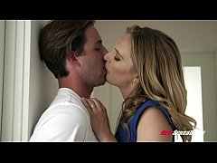 Lucky Step Son Bangs His Stepmom Mona Wales