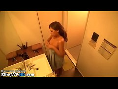 Japanese busty babe has sex in tanning bed