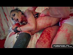 PORNFIDELITY Skin Diamond's XXX-MASsacre