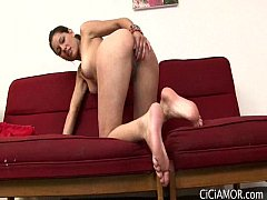 lovely Cici Amor playing her pussy til wet