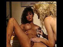 Ashlyn Gere gets a shave from Melanie Moore