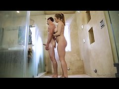 Skylar Snow gives nuru massage - Fantasy Massage