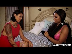 Stepmom teaching how to please a woman! - Dana Vespoli and Jenna Foxx