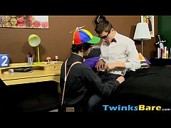 Nerdy twink Jasper Robinson blows 69 style before breeding