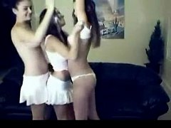3 sexy girls dancing
