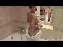 Hot teen babe masturbates in the shower