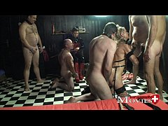 Lady A.J. plays with the slave Sandy and 5 slaves
