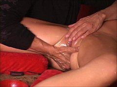 Amazing squirt guru keeps MILF cunt gushing See FULL video on XVideos RED