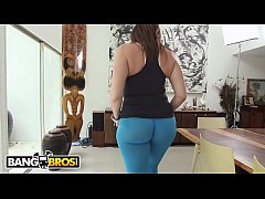 BANGBROS - Big Ass MILF Sara Jay Makes That Dick Spray