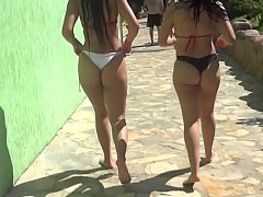 chubby bubble butts latinas in bikini waterpool day 2-20