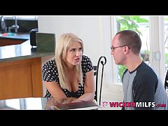 Super Hot Mom Savana Styles Gives Sex Lessons T...