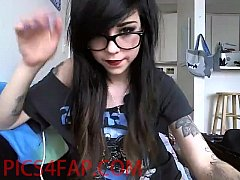 Cute Teen Emo Girl with tattoo - pics4fap.com