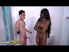 BANGBROS - Busty Ebony Stepmom Diamond Jackson Rides A Big Dick