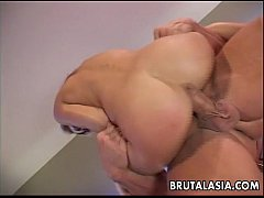 Clip sex Blonde bitch getting fucked deep in her asshole