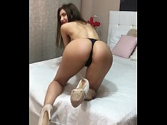 CAMSTER - Sexy Cam Girl Shows Off Her Incredible Body in Slow Motion