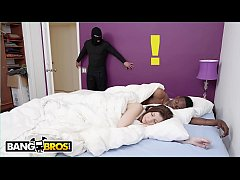 HD BANGBROS - MILF Pornstar Sara Jay Fucks A Thief Who Likes Smelling Panties