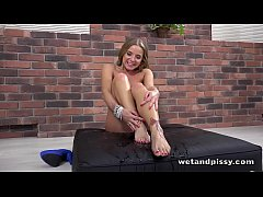 Wetting Her Panties - Sofi Goldfinger has anal fun in solo piss scene