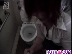 Shiori Kamiya sucks cock at toilet