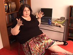 Beautiful BBW brunette talks dirty and gets her...