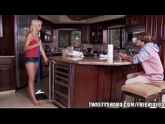 Anikka Allbrite knows how to get her man to do ...