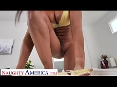Naughty America Kassandra Kelly (Rachel Starr) takes care of her husband's needs