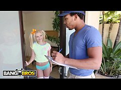 HD BANGBROS - Tiny Blonde Riley Star Almost Gets Split In Half By Ricky Johnson