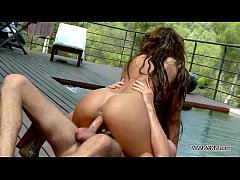 Deep hard fuck to wet pussy by the pool with gr...