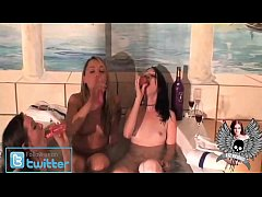 Liz Vicious, Ava Knight & Trisha Uptown Bath Time fun with Dildos