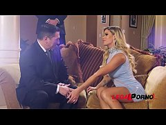 Sexy femme fatale Jessa Rhodes enjoys two gentlemen's big hard veiny cocks GP443