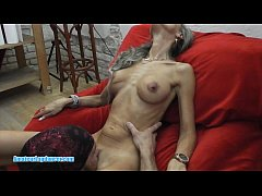 Clip sex Skinny MILF lapdances, gives BJ and fucks in few positions
