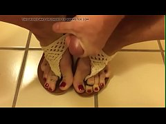 xhamster.com 7502415 shemale covers red toes in cum 480p