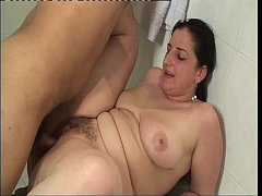 Wet chubby girl banged in the bathtub