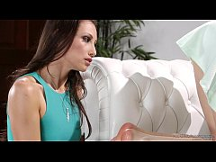 HD Bree Daniels does foot massage on Celeste Star - Fantasy Massage