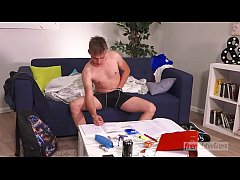 Enzo Lemercier plays with his virgin ass for the very first time