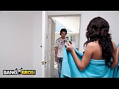 Clip sex BANGBROS - Lexi Stone Goes They Extra Mile To Please Her Customer