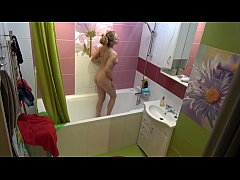 Naked girl with huge boobs in the bath - Hidden spy camera