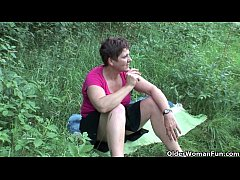 Summer makes mom's libido go into overdrive