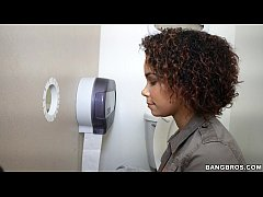 black girl raven wants to try out the glory hole ghl14900