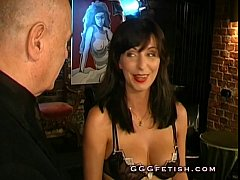 Sexy brunette gets pissing and gives blowjob