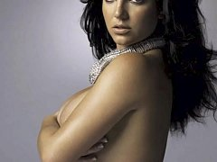 Britney Spears Topless: http://ow.ly/SqHxI