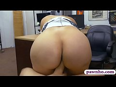 Brunette woman gets nailed by pawn dude at the pawnshop