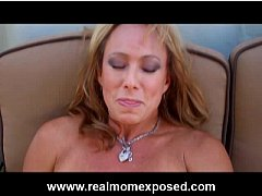 Voluptuous mom fingering her hot snatch